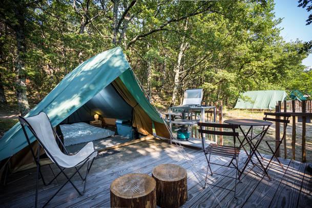 camping avec toiel de tente a ile rousse